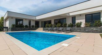 Panorámás luxus villa – Gyenesdiás