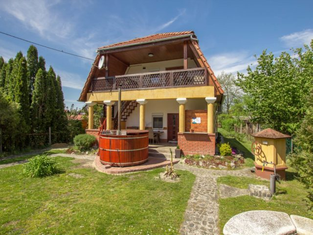 Gyula nyaralóháza M105 – Balatonmáriafürdő
